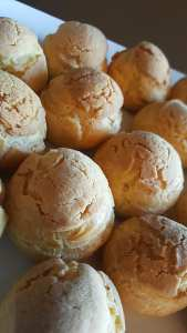"cream puff ""crack buns"""