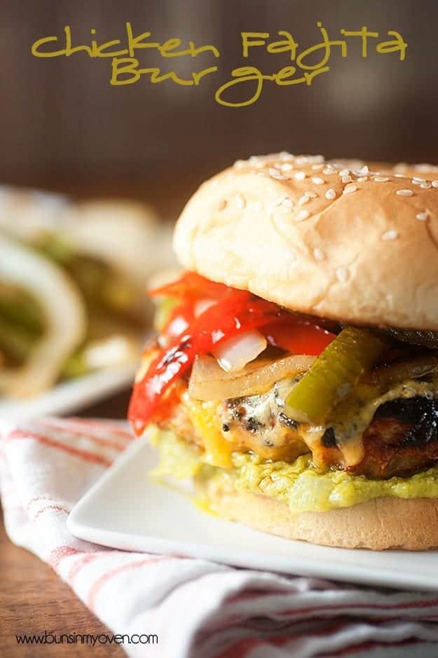 Fajita de pollo hamburguesas a la parrilla!  Perfecto para el verano!