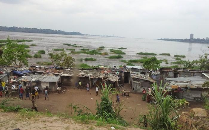 Il fiume Congo e sulle sue sponde Brazzaville e Kinshasa