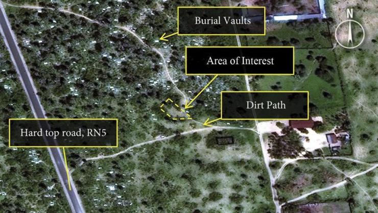 L'area delle fosse comuni nella foto da satellite