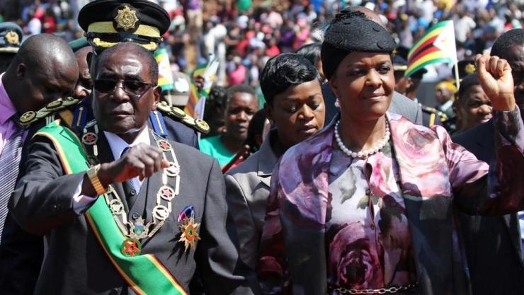 Ropbert Mugabe e la moglie