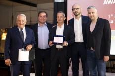 Roberto Liscia, Presidente di Netcomm, premia