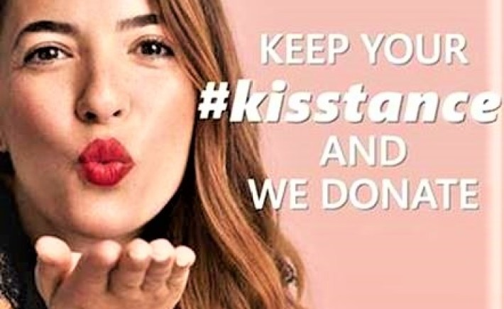 """essence e Catrice insieme per """"Keep your #kisstance and we donate"""""""