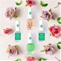 Bottega Verde: nuovi Naturally e Bright & Natural per unghie al naturale