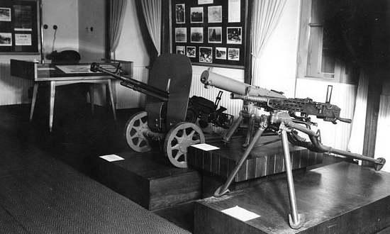 Armi della rivolta del 1944 esposte al Museo dell'SNP (muzeumsnp.sk)