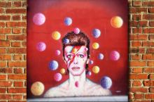 Bowie_graffito-Brixton-Londra_(flickr-cc-by)