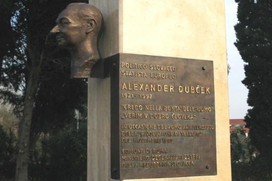 Dubcek_il-memoriale