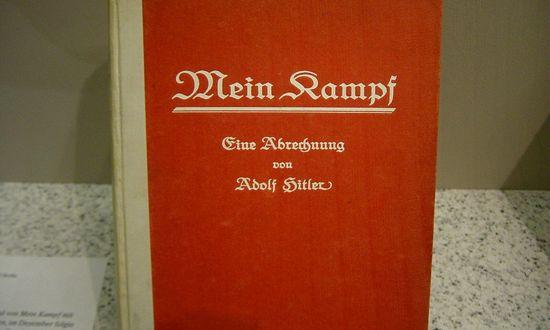 Mein-Kampf-1925-prima-ediz-Hitler