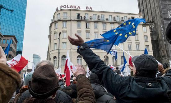 Polonia-Varsavia_09012016_(gregor_zukowski-cc-by-nc)