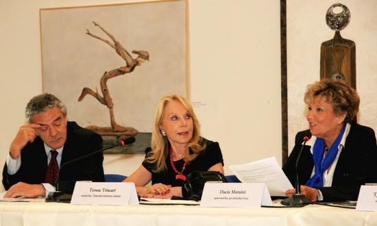 Premio ElsaMoranteCinema 2012 (Teresa Triscari con Dacia Maraini)