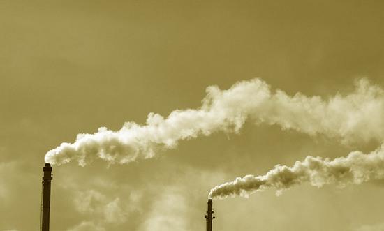 ambiente_emissioni_co2_(freefoto_2759629888@flickr_CC)