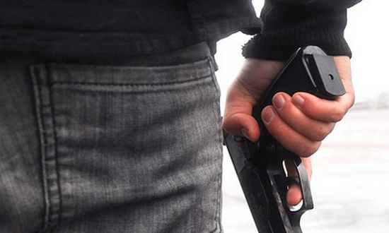 crminal_(-kerttu-523052-CC0) pistola armi nera