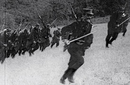 francesi-assalto-guerra-marna_(wikimedia) grande guerra