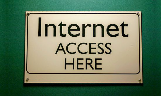 internet (steverhode@flickr)