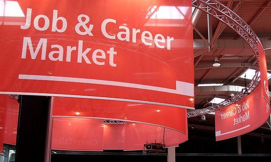lavoro-carriera_(markunti_6967393144@flickr_CC)