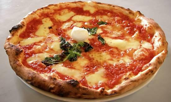 pizza_(ElfQrin@wikimedia)