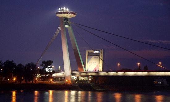 ponte-most-snp_ufo-(gmdb@flickr)