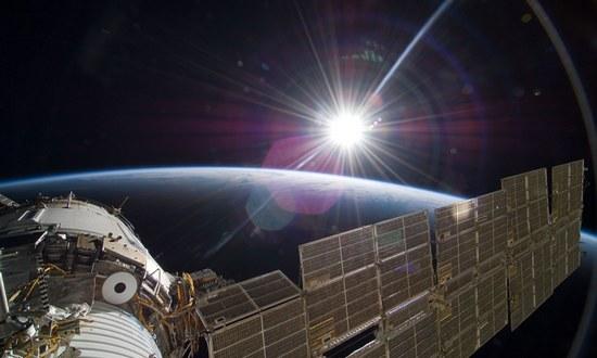 satelliti-spazio_(gsfc-12867973205-cc-by)