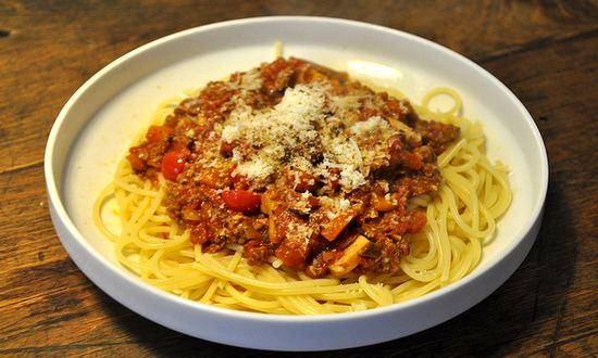 spaghetti bolognese (roitsch @ flickr)
