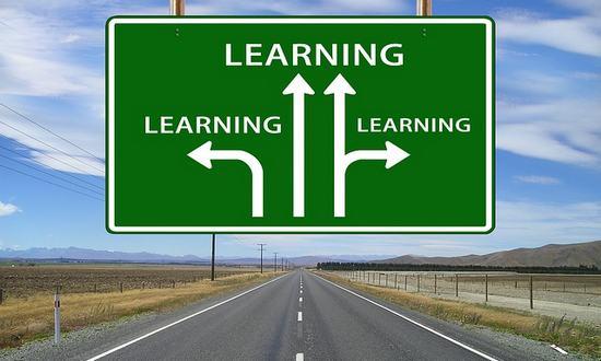studio-univer_(geralt-64058-pixabay) learn-formaz