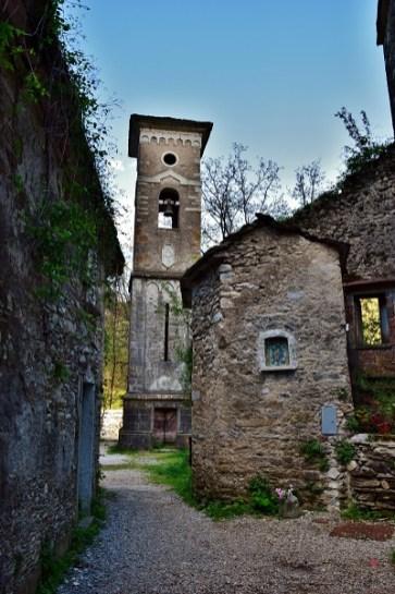 Scorcio di Borgo di Isola Santa