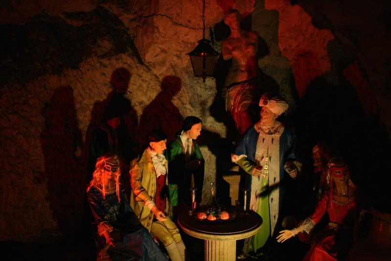 Medmenham Abbey Hellfire club caves West Wycomb