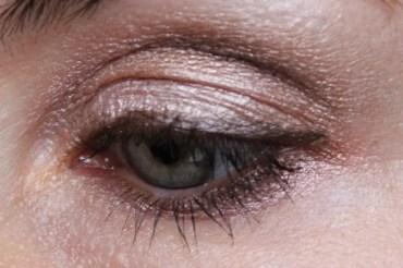 Wet'n'Wild – Wakling on Eggshells Eyeshadow und Mellow Wine Blusher