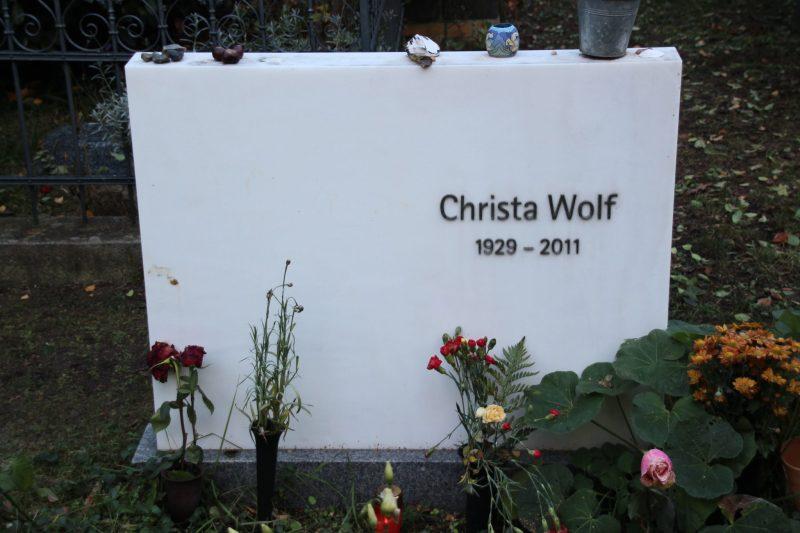 grab-christa-wolf-alter-friedhof-berlin