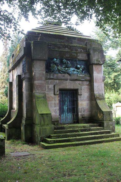 Imposante Mausoleen in Niedersachsen und Nordrhein Westfalen