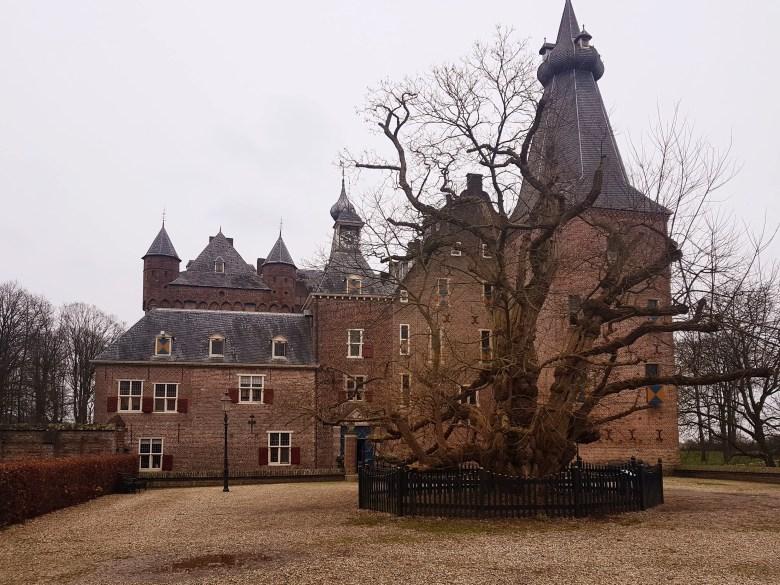 Geisterschloss Niederlande, Schloss an der deutschen Grenze, Sehenswertes Schloss in den Niederlanden