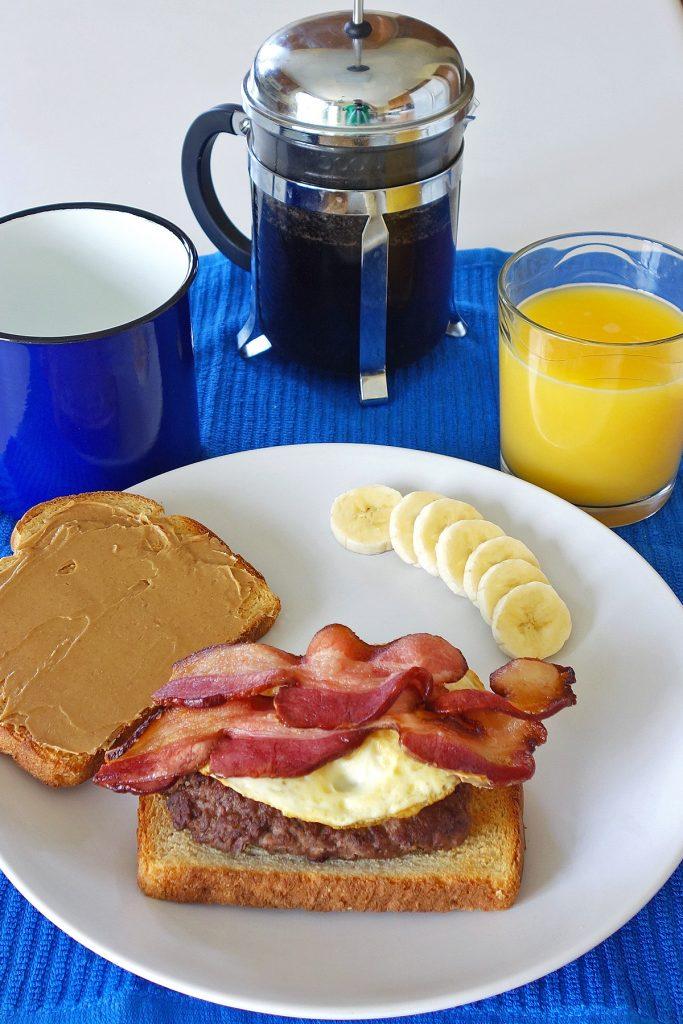 breakfast burger | burgerartist.com