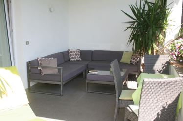 Zimmer-11-Sitzecke-Terrasse