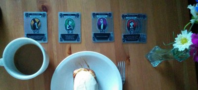 playing-gloom-and-snacking