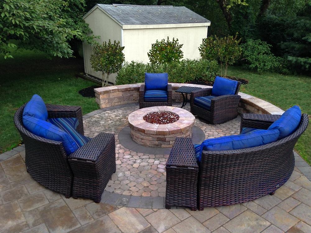 chairs around fire pit horitahomes com