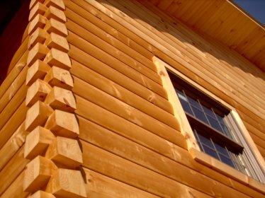 Laminated Log Home