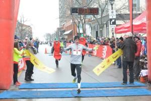 Coolsaet crossing the Half Chilly Marathon December 2014
