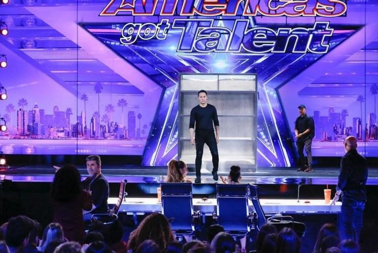 Demian Aditya deixa jurados do America's Got Talent em choque durante truque de mágica 16
