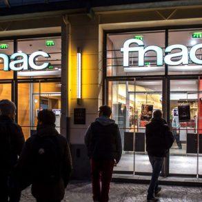 Fnac fecha última loja no país e ex-funcionários fazem protesto em SP 19