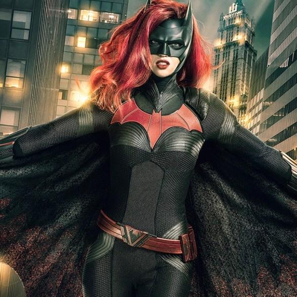 Batwoman ganha primeiro trailer; veja 17
