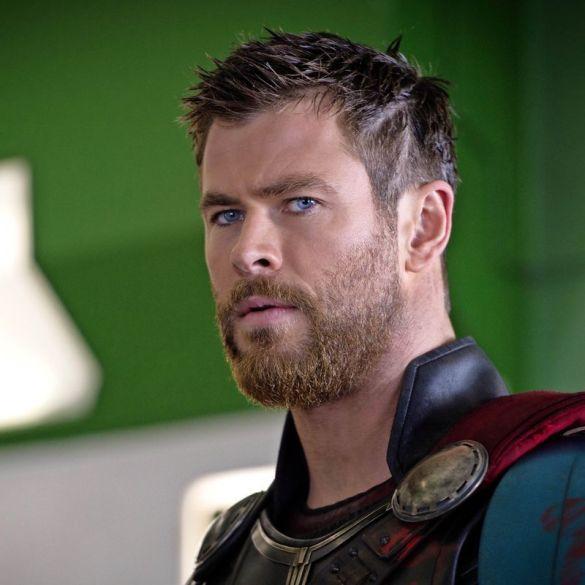 Chris Hemsworth diz que sente nojo da sua riqueza 16