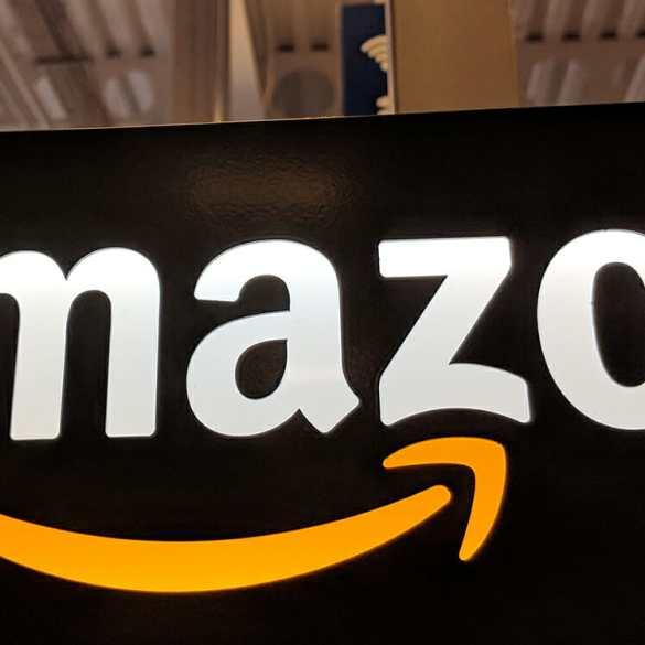 Amazon assina com editoras e vai vender livros em formato fisico 28