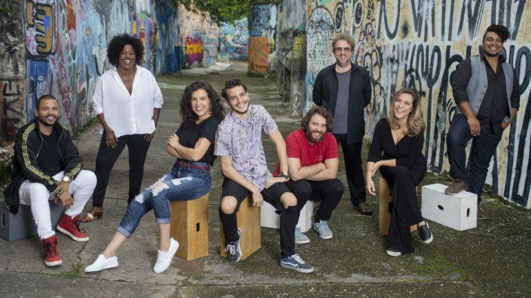Conheça o elenco de Ninguém Tá Olhando, nova comédia da Netflix 16