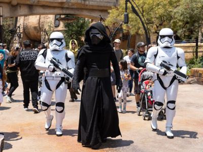 Visitantes não podem usar fantasias de Star Wars no novo parque da franquia 13