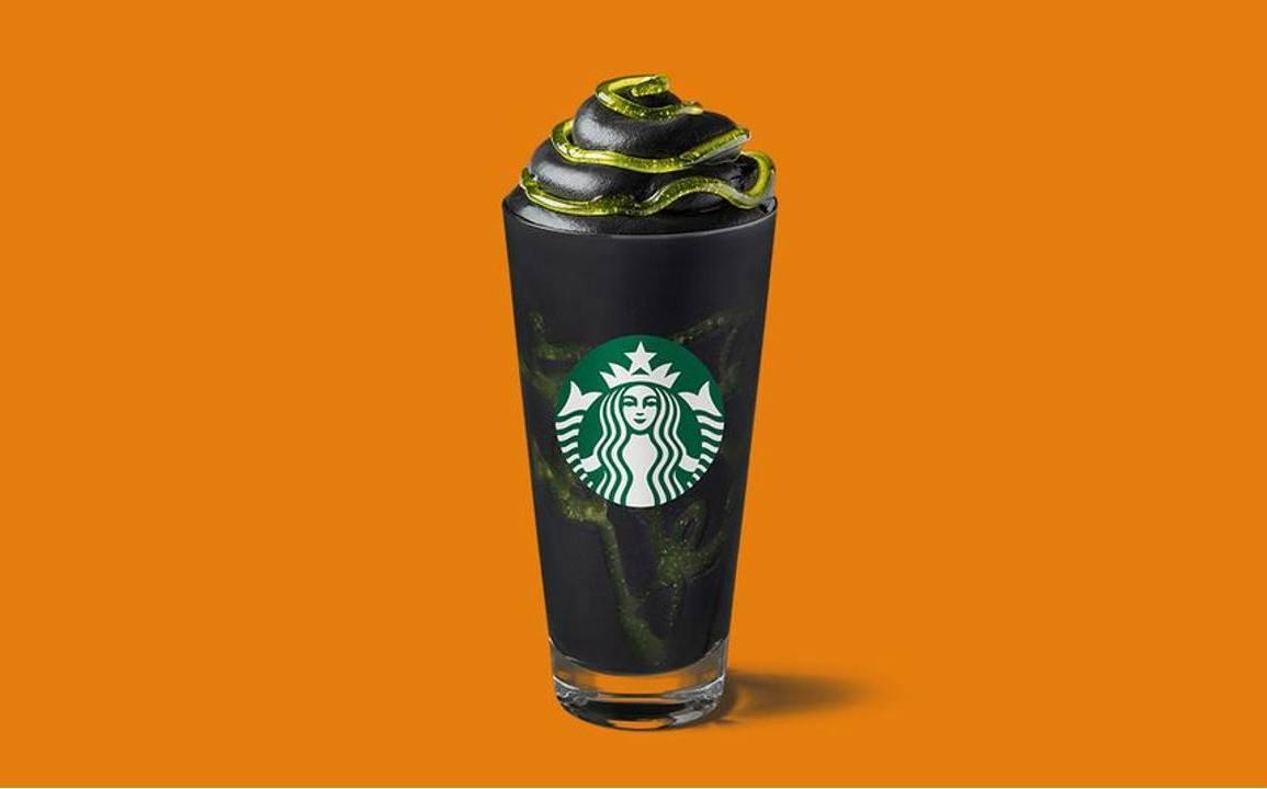 """Phantom Frappuccino"": a bebida gótica da Starbucks para o Halloween 16"