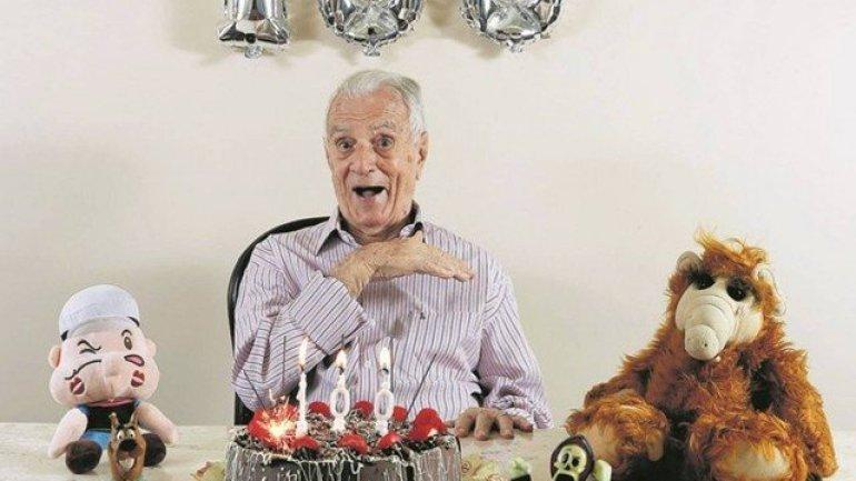 Aos 100 anos, Orlando Drummond lança biografia e atrai fãs no Rio 16