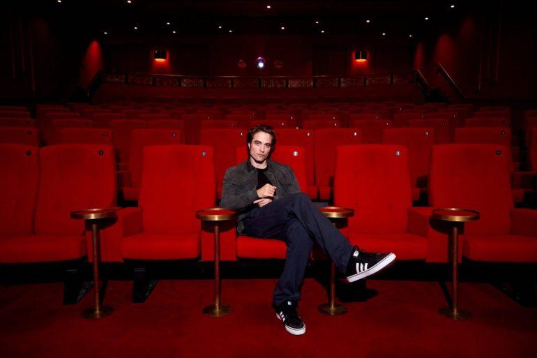 Robert Pattinson testa positivo para Covid-19, diz revista 16