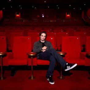 Robert Pattinson testa positivo para Covid-19, diz revista 21
