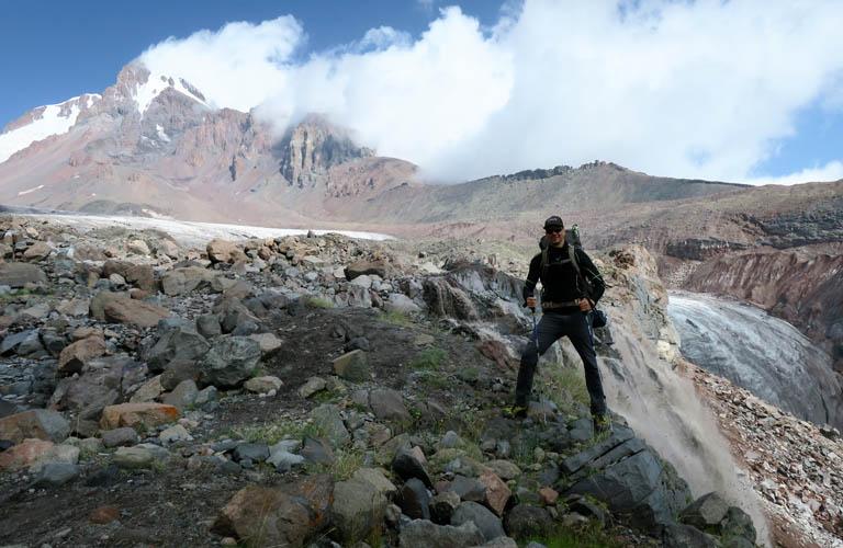 Klettergurt Leihen : Georgien packliste mount kazbek kasbek für bergsteigen mit