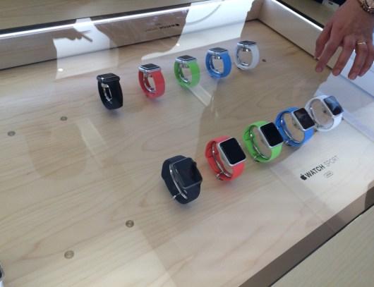 Apple watch sport table store frankfurt white red green blue black