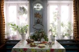 La tavola e' imbandita per lo spuntino. I Mari hanno l'abitudine di consumare pasti moderati ma frequenti e con elevato contenuto di cibi proteici e grassi ai quali affiancano tè o caffè.